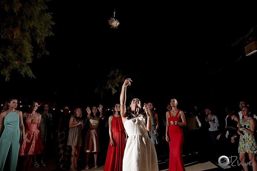 πέταγμα-μπουκέτου-νύφη