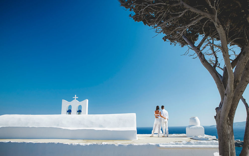 Destination wedding photographer Sifnos
