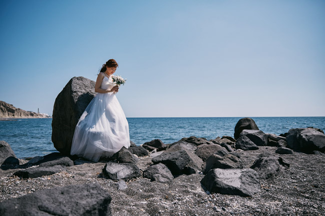 Destination wedding photographer Santorini