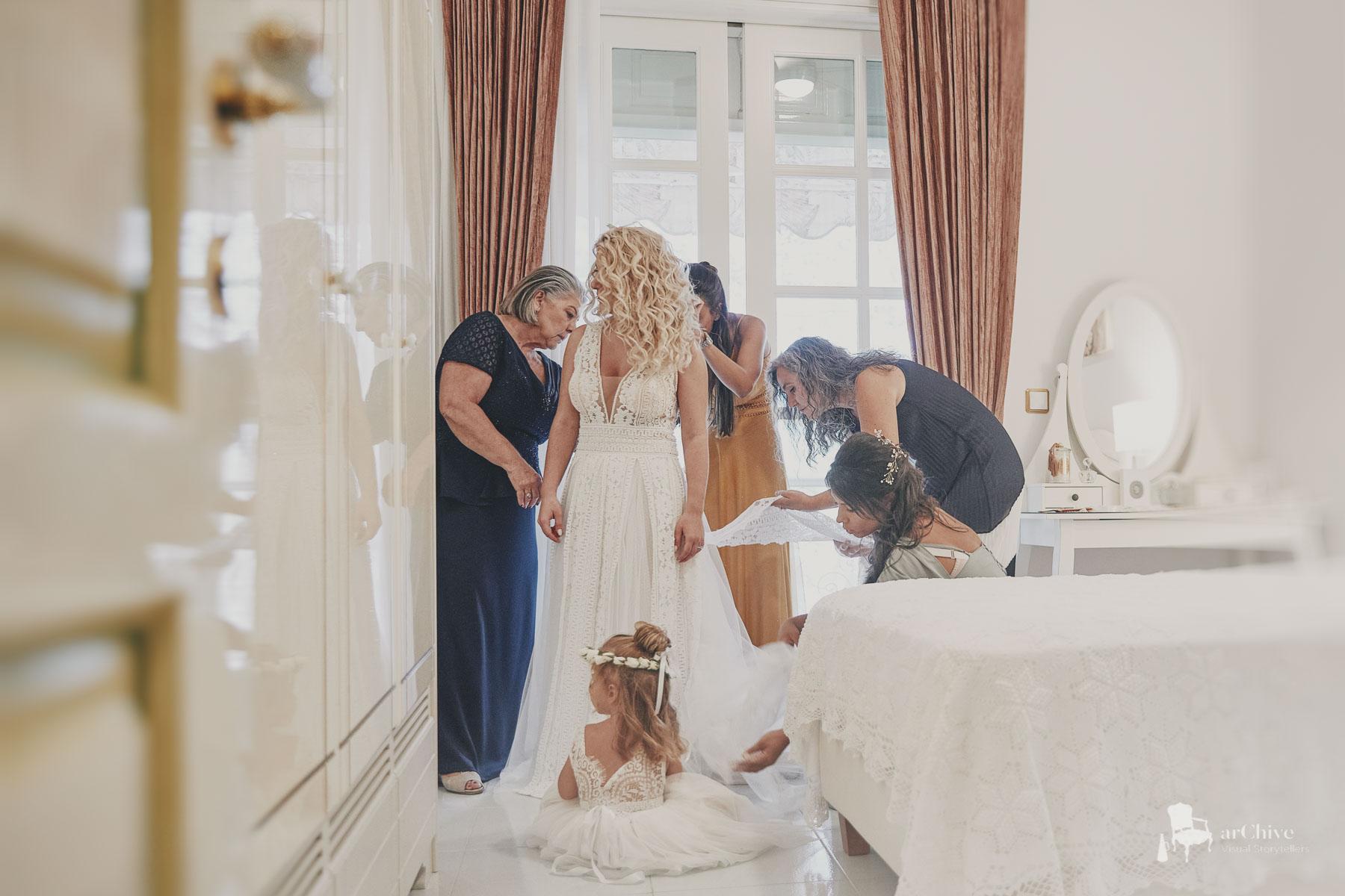 bride preparations photography